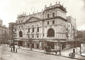 Wyndham's Theatre just before its opening on 16 November 1900.