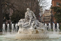 The fountain in Wilson Square (Place du Président Thomas Wilson) shows the poet Pèire Godolin
