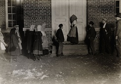 Children going to a 12-hour night shift in the United States (1908).