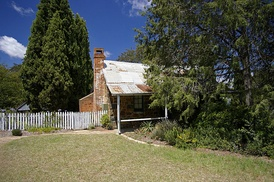 Blundells Cottage, built around 1860,[17] is one of the few remaining buildings built by the first white settlers of Canberra.