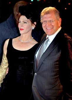 Zemeckis with wife Leslie Harter, at the French premiere of Flight, January 2013