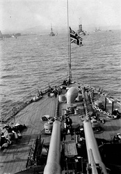Aft 12-inch guns of HMS Russell at the Quebec Tercentenary 1908