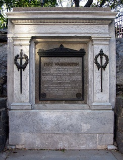 Tablet commemorating the location of Fort Washington