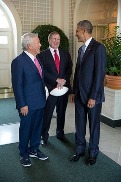 Belichick with President Barack Obama and Robert Kraft
