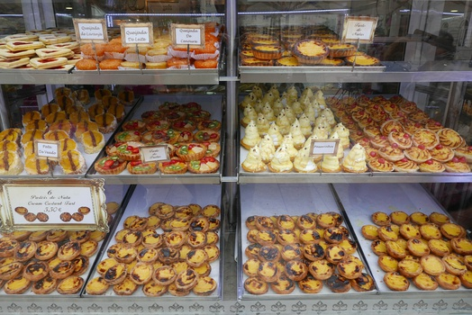 Pastéis de Nata and other sweets at a shop in Lisbon