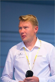 Häkkinen achieved his fourth pole position in four races, and the 14th in his career.