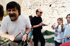 Professor Nigel Osborne and Brian Eno leading music workshops, Pavarotti centre, Bosnia 1995.[102] Image: Keith Brame.