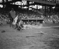 Gehrig sliding into home plate in 1925