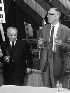 Flohr (left) and Euwe, 1969