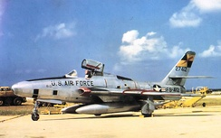 RF-84F Thunderflash, the reconnaissance version of the F-84F. Note the unique articulation of the canopy, which is mounted on a pair of hydraulic rams and a lever arm, allowing it to automatically pivot up and backwards behind the cockpit..