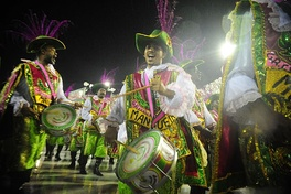 Mangueira's bateria in the Carnaval parade of 2015.