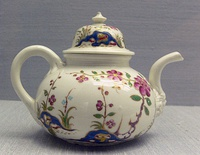 "Teapot, 1718-20, with ""Oriental"" flowers"