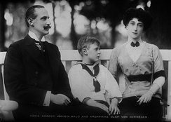 The Norwegian royal family - King Haakon VII, Queen Maud and Crown Prince Olav in 1913