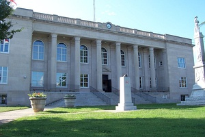 Rutherford County Courthouse in Rutherfordton