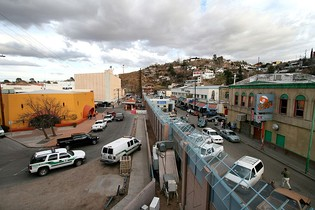Border between Nogales, Arizona, on the left, and Nogales, Sonora, on the right