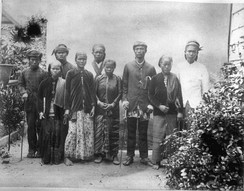 Javanese immigrants brought as contract workers from the Dutch East Indies. Picture was taken between 1880 and 1900.