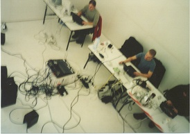 Farmers Manual 2002, performing laptronica