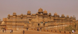 Gwalior Fort was captured by Maratha general Mahadaji Shinde (Scindia). The Scindias would later become the rulers of the semi-autonomous Gwalior State of the Maratha Empire.