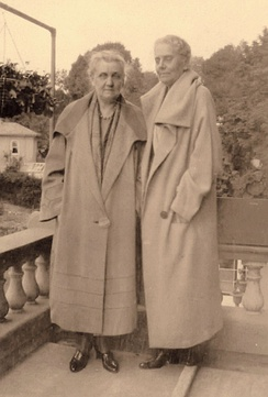 Jane Addams Collection/Swarthmore College Peace Collection. Jane Addams & Mary Rozet Smith, 1923