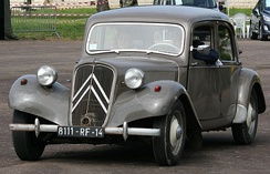 Citroën Traction Avant, a car commonly used by the UB