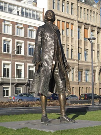 Statue of Peter in Rotterdam