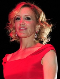 Felicity Huffman, Best Actress in a Motion Picture – Drama winner & Best Actress in a Comedy or Musical Series co-winner