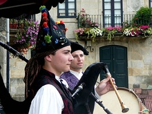 Galician pipers.jpg