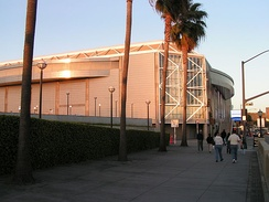 Side view of the HP Pavilion at San Jose