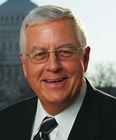 Mike Enzi, official portrait, 111th Congress (cropped).jpg
