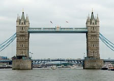 Tower Bridge - geograph.org.uk - 964268.jpg
