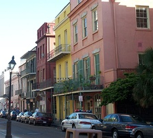 New Orleans contains many distinctive neighborhoods.