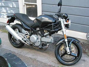 2002 Ducati Monster 620 (air-cooled)