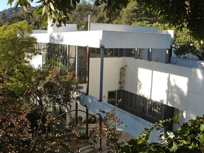 Lovell House in Los Angeles,  California, by Richard Neutra (1927–29)