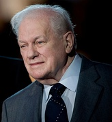 Charles Durning won in 1990 for his portrayal of John F. Kennedy on The Kennedys of Massachusetts.