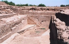 Dholavira Sophisticated Water Reservoir, evidence for hydraulic sewage systems in the ancient Indus Valley Civilisation