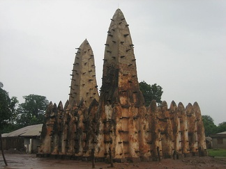 A 13th-century mosque in northern Ghana attributed to the Wangara.