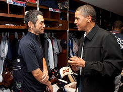 Ichiro meeting President Barack Obama before the 2009 All-Star Game on July 14, 2009