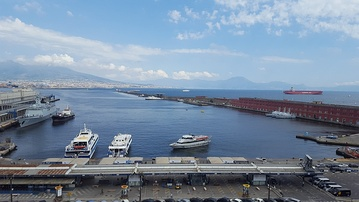 Daytime image of the bay of Naples, Italy