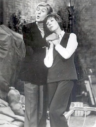 Julie Andrews and Dick Van Dyke were reteamed in the TV-movie Julie and Dick at Covent Garden (1974), directed by Julie's husband Blake Edwards