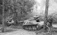 A pair of Panzerkampfwagen 38H 735(f) used by the Germans in Yugoslavia, 1941