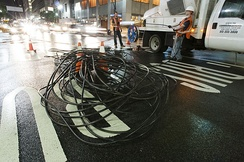 Fiber crew installing a 432-count fiber cable underneath the streets of Midtown Manhattan, New York City