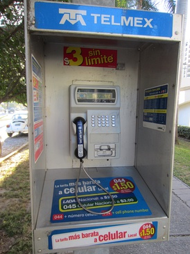 Telmex public telephone, which operates with smart card smart cards prepaid.