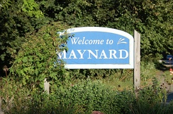 """Welcome to Maynard"" sign"