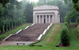 Abraham Lincoln Birthplace near Hodgenville