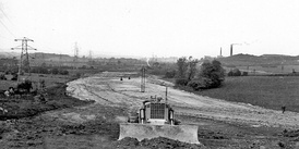 Looking north from the B579 bridge at Chalton, with the former brickworks at Sundon to the right, in May 1958