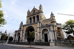 St Anne's Cathedral; Carson's final resting place