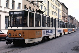 KT4D tram under 313 number on 1E route in Gera (11.09.1993).jpg