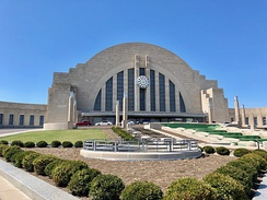 Cincinnati Union Terminal serves Amtrak's Cardinal line and houses several museums