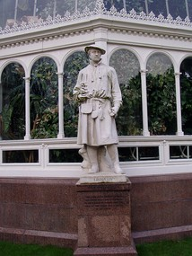 Linnaeus marble by Léon-Joseph Chavalliaud (1899), outside the Palm House at Sefton Park, Liverpool