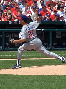 Maddux pitching for the Cubs in 2006